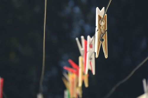 clotheshorse clothesline clothespins