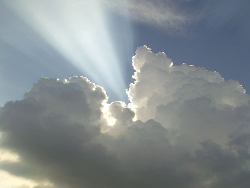 cloud sunbeam light