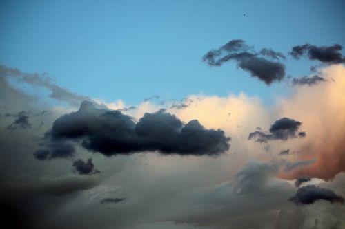 clouds sky output sun