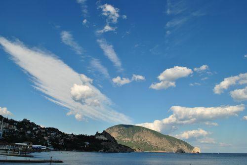 clouds bear mountain crimea