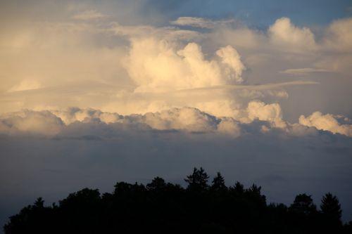 debesys,griauna,dangus,oras,tamsūs debesys,audros debesys,kraštovaizdis,siluetas