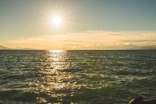 debesys,gamta,vandenynas,jūra,jūros dugnas,dangus,saulė,saulėtekis,saulėlydis,saulės šviesa,vanduo