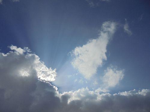 clouds sunbeams rays