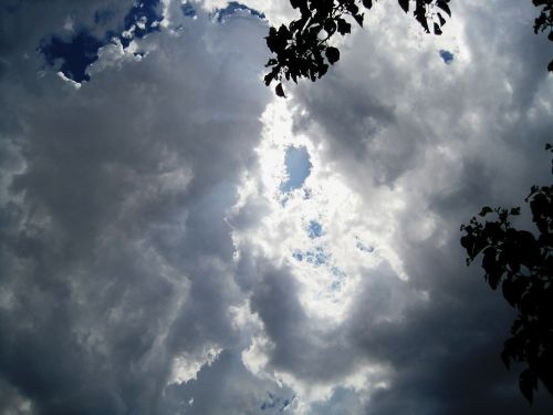 clouds dark gathering