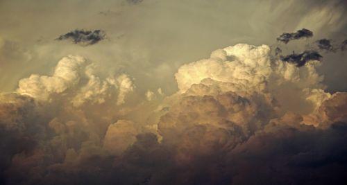 debesys,grasinanti,niūrus,dangus,audros debesys,tamsi,audra,debesys formos,šviesa,cumulus,gewitterstimmung,natūralus spektaklis,nuotaika,tamsūs debesys,atmosfera,apšvietimas,dramatiškas,oras,debesų danga,gražus,dramatiški debesys,kubo debesys,mistinis