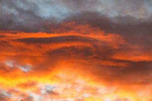 debesys,dangus,oranžinė,sirrealis