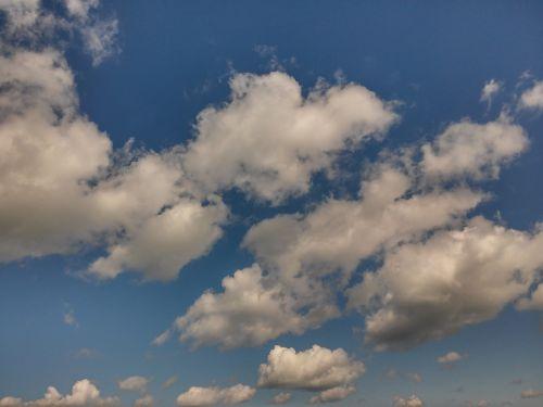 clouds cumulus clouds cumulus