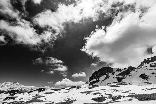 cloudy mountain sky