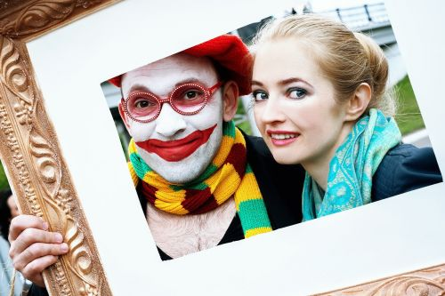 clown frame baguette