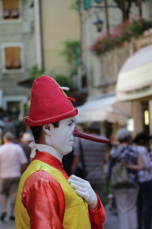 clown italy garda