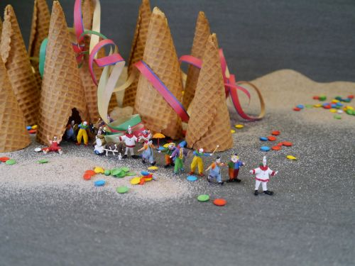 clown clowns ice cream cone