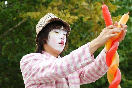 clown  balloon  fun