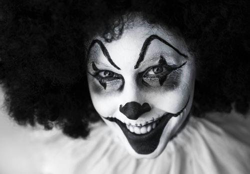 clown creepy grinning