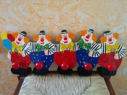 clowns hanger smiles