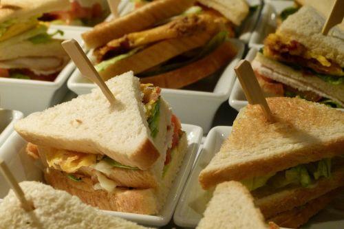 club sandwich dine
