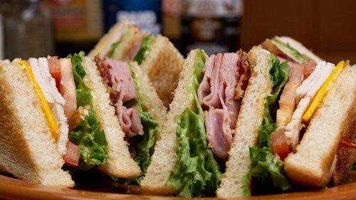 club sandwich  sandwich  lunch