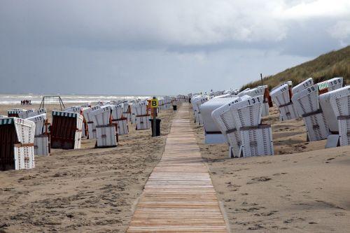 clubs beach sea