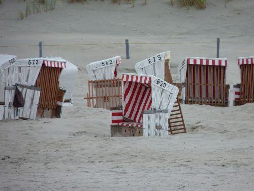 clubs sand beach sea