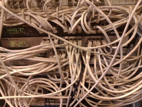 clutter cable network