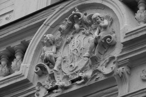 coat of arms sign facade