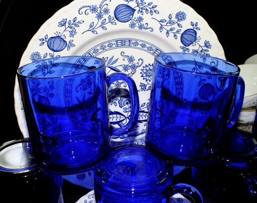 cobalt blue glasses dishes