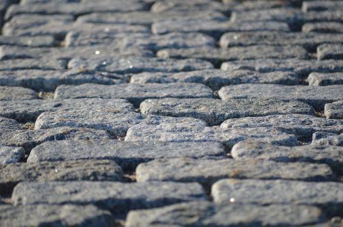 cobblestones maine street
