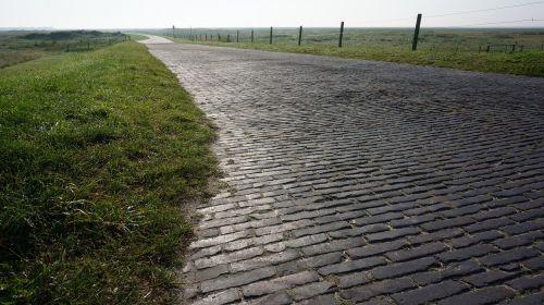 cobblestones away wide