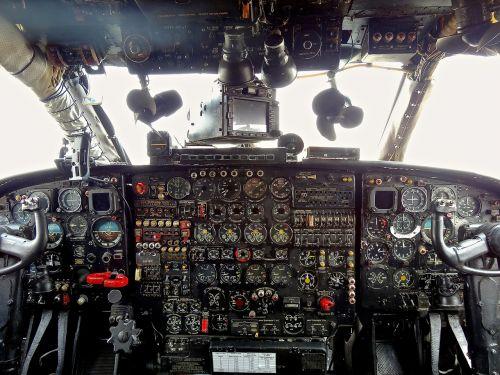 cockpit aircraft driver
