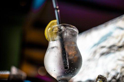 cocktail  lemon  alcohol