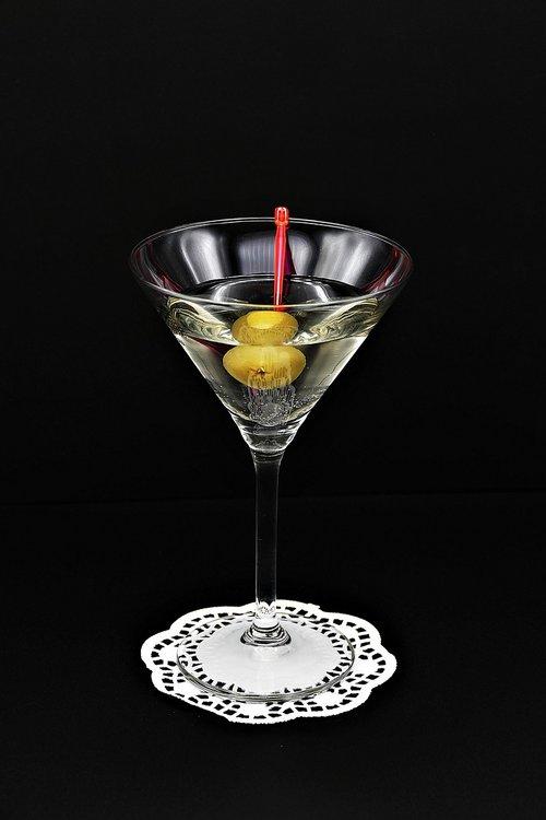 cocktail  martini  olive