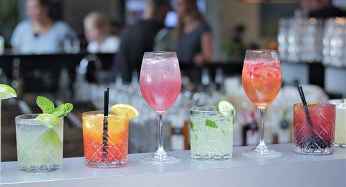 cocktail  bar  drink