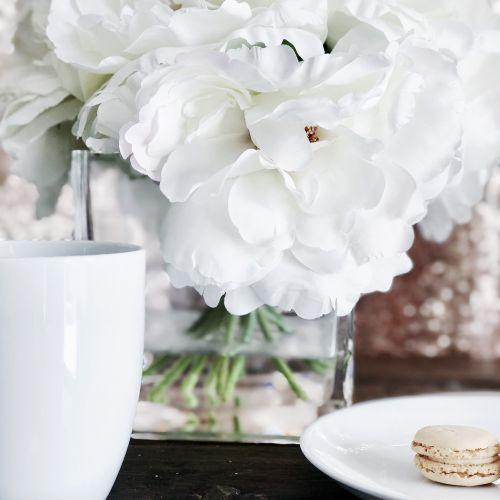 coffe mug white flowers macaron