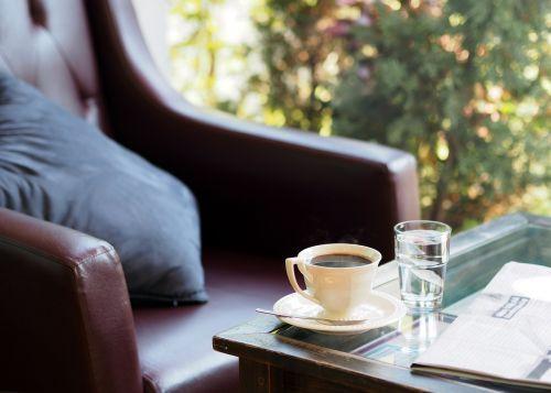 kava,dūmai,kavinė,rytas,patogus,atsipalaiduoti,aromatas,kvapas,karšta kava,juoda kava,karštas,kėdė,pagalvėlė
