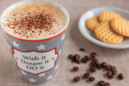kava,kavos puodelis,taurė,kavinė,porcelianas,putos,šaukštas,pertrauka,kavos putos,spalvinga,aromatas,motyvacija,karštas gėrimas,padengti,skonis,gerti,gomurys klostosi,naudos iš,kavos stalelis,kavos pertraukėlė,keramika,slapukai,pyragaičiai,šiltas,karštas,kvapas,atsipalaidavimas,laisvalaikis,kavos pupelės,pupos