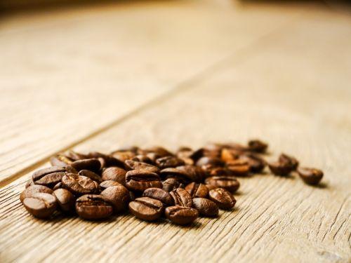 kava,pupos,gerti,kavos pupelės,naudos iš,karštas,kofeinas,pick-me-up,aromatas,kavos pertraukėlė,skonis,atsipalaidavimas,laikas baigėsi,mediena,medinės grindys