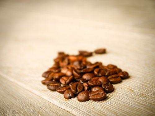kava,pupos,gerti,kavos pupelės,naudos iš,karštas,kofeinas,pick-me-up,aromatas,kavos pertraukėlė,skonis,atsipalaidavimas,laikas baigėsi,mediena