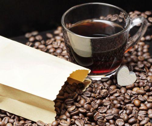 kavos pupelės,kavos puodelis,taurė,kava,malonumas,pupos,kofeinas,naudos iš,porcelianas,skrudinta,gerti,kavinė,pupelės kavos,kavos puodeliai,maistas,žemėlapis,atvirukas,atvirukas,pakvietimas,stimuliatorius,maišas,popierinis maišelis,širdis,medinė širdis