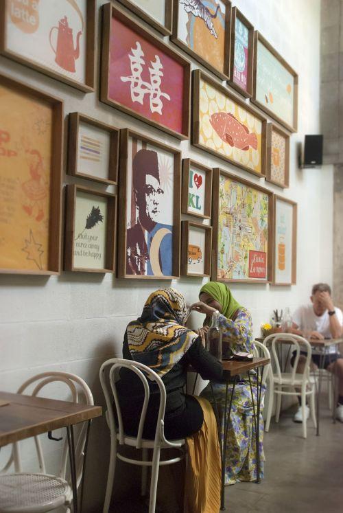coffee shop scarf muslim