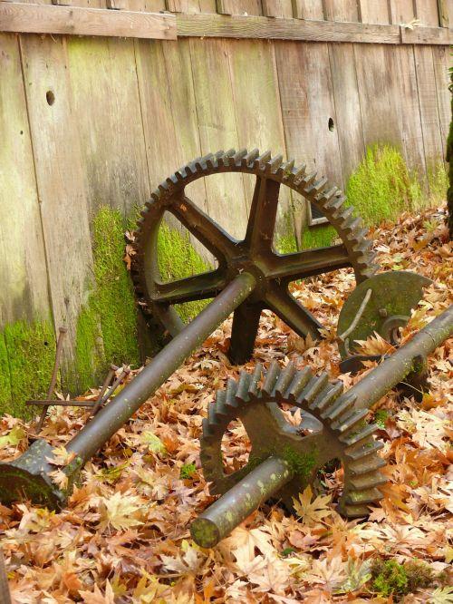 cogs,vilkikai,lapai,lapija,ištemptas,grūdų malūnas,mašina,mašinos,geležis,metalas