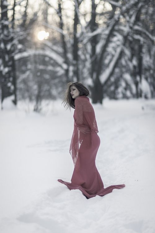 cold dress beauty
