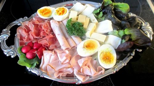cold cuts eat meat plate