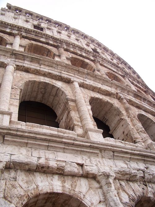 coliseum ancient architecture italy