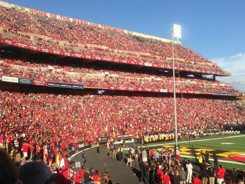 college football football crowds