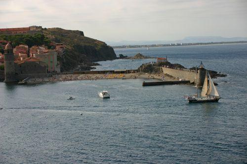 collioure sea sailboat