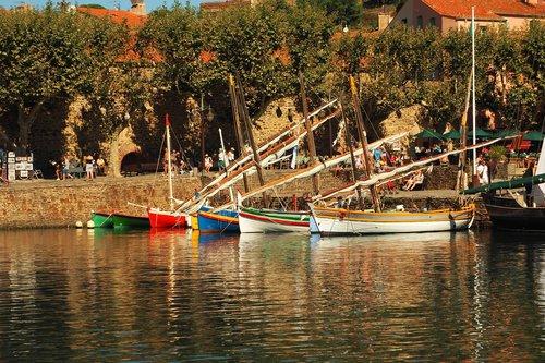 collioure  boat  boats
