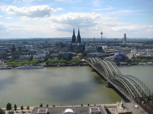 cologne rhine hohenzollern bridge