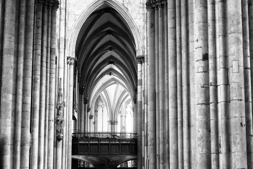 cologne dom light