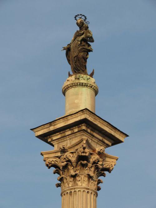 colonna della pace rome sculpture