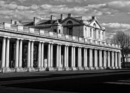 colonnade architecture style