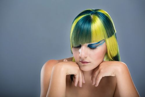 colors hairdresser cutting